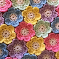 20 Crochet Flowers Handmade Appliqué Embellishment Craft Bags Cushions Blankets