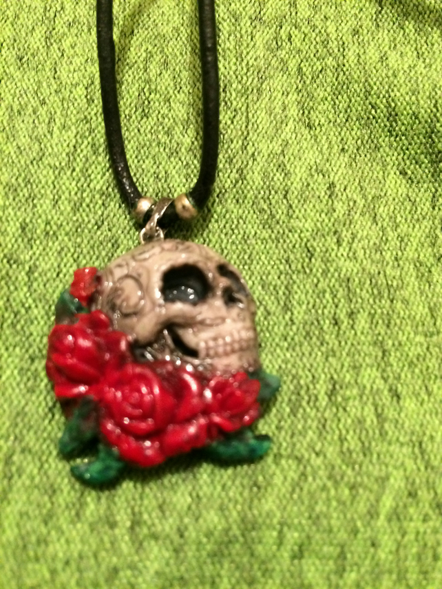Gothic skull and roses necklaces
