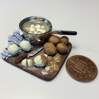 Dolls House Miniature Food - 1:12 Scale, Pot of Potatoes