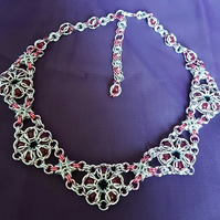 Captive bead chainmaille necklace
