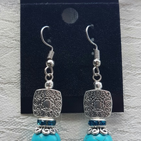 Gorgeous Turquoise and silver bead earrings