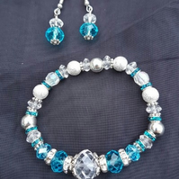 Gorgeous Crystal Ice Stretch Bracelet and earring set