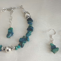 Gorgeous Blue green Chrysocolla chip bead bracelet and earrings set