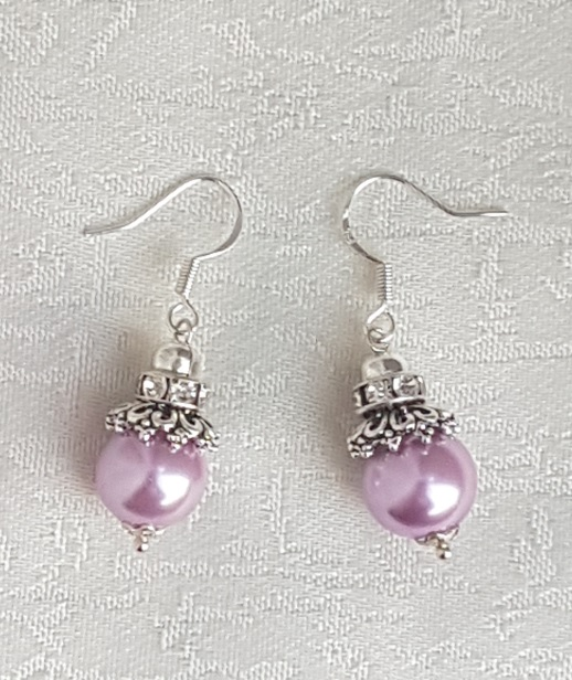 Gorgeous Lilac pink bead earrings