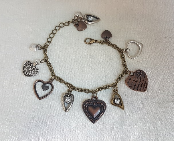 Gorgeous Antique look, All my Hearts, Charm bracelet
