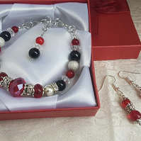 Harlequin bracelet and earrings set