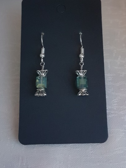 Gorgeous Christmas Cracker Earrings.