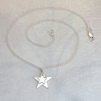 Gorgeous Sterling Silver Stars Necklace - 16 Inch