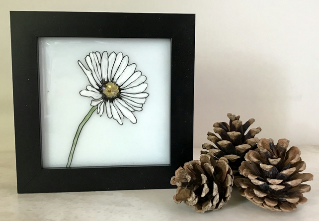 Hand Painted White Glass Daisy
