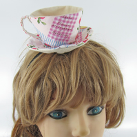 Teacup Fascinator-Rose Writing Patchwork---15 POUNDS