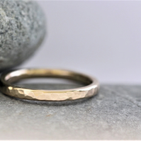 Wedding ring in recycled 9ct yellow gold, hammered, 2mm wide