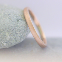 Frosted 9ct red gold 2mm wide wedding band.