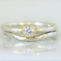 Matching wedding and engagemnet ring set in white gold, yellow and 4mm diamond.