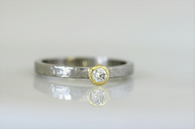 Palladium planished band with yellow gold setting and 3 mm diamond, 2 mm wide