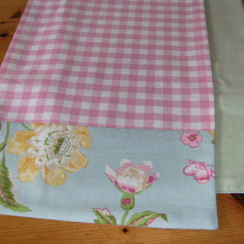 Awe Inspiring Laura Ashley Fabric Table Runner Summer Palace Shabby Chic Country Cottage Download Free Architecture Designs Remcamadebymaigaardcom