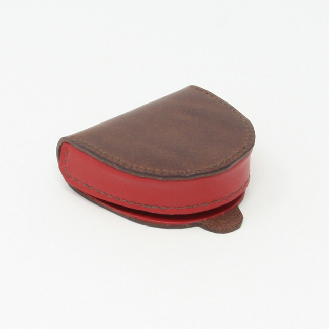 Leather coin purse with coin tray