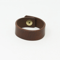 Plain leather wristband - brown