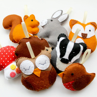 Make Your Own Felt Woodland Garland. Full sewing kit to create 8 decorations