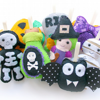 Make Your Own felt Halloween Garland Kit. Sewing pattern. Felt kit. Sew Your Own
