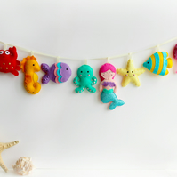 Felt Under the Sea Garland. Handmade set of 8 felt decorations.