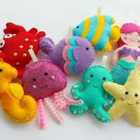 Make Your Own felt Under the Sea Garland Kit. Sewing pattern. Sew Your Own