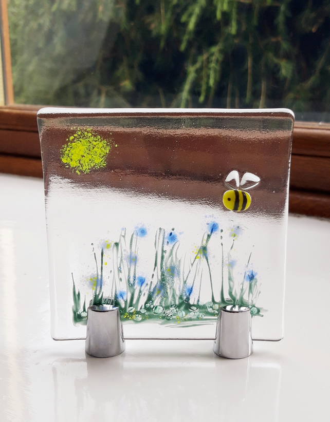Freestanding Glass Ornament with Bee and Flowers