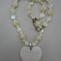 Mother of Pearl and Glass Beads Necklace