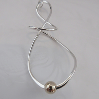 9ct Gold and Silver Twist Pendant - Free P&P
