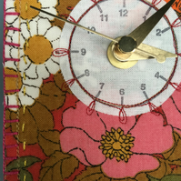 Red Floral clock - 3 Daisy's