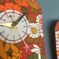 Red Floral clock - 2 Daisy's