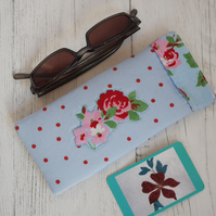 Flex frame glasses case, light blue, with appliqued floral design