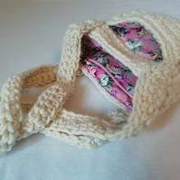 Cream Roses Crochet Bag
