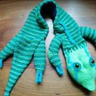 Knitted Lizard Stole
