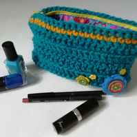 Felt Flower Makeup Bag.
