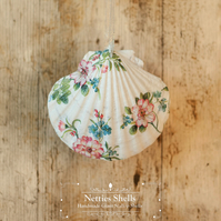 Hanging Flower Decoration on Giant Scallop Shell by Netties Shells