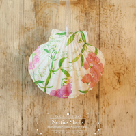 Hanging Sweet Pea Decoration on Giant Scallop Shell by Netties Shells