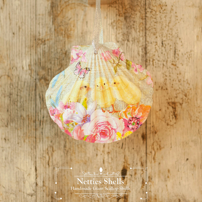 Hanging Chicken Decoration on a Giant Scallop Shell by Netties Shells