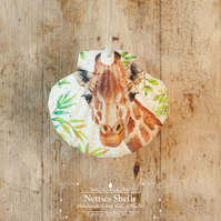 Hanging Giraffe Decoration on a Giant Scallop Shell by Netties Shells