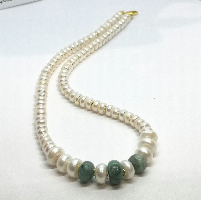 Freshwater Button Pearls with Emerald