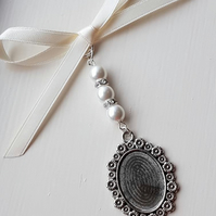 Bouquet Charm, wedding shower, photo frame charm, Oval silver locket