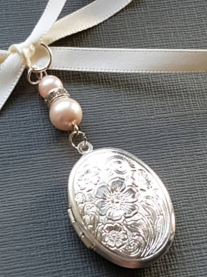 Wedding Bouquet Charm, Bridal Charm, Photo Charm, Oval Silver Bouquet Locket