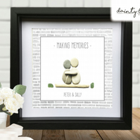 MAKING MEMORIES Pebble Picture: Personalised Gift with Sea Glass. Love Friends