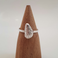 Fine silver shell ring