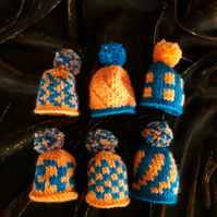 6 Knitted Egg Cosies