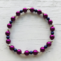 Bracelet with raspberry and amethyst glass pearl beads and silver plated beads
