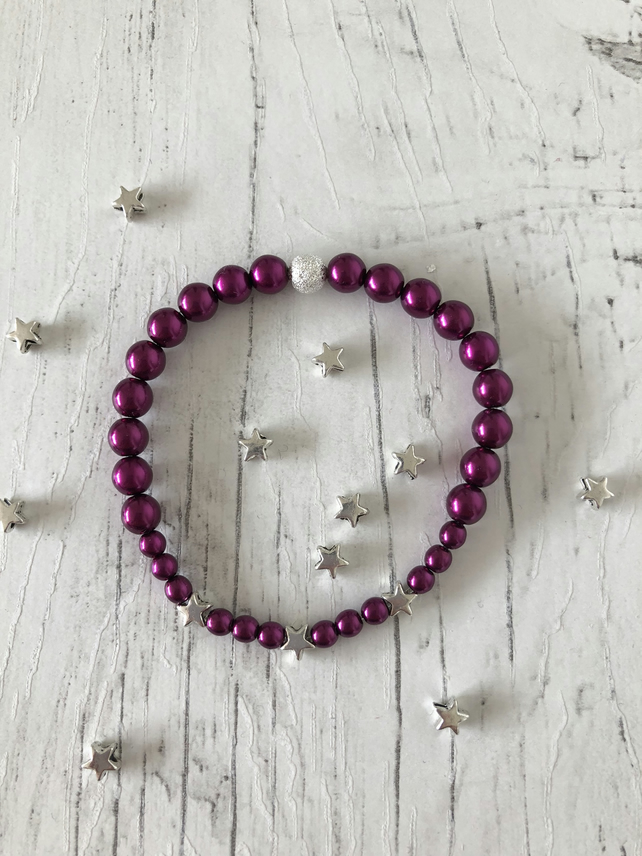Raspberry pink glass pearl beads and silver stars handmade stretch bracelet