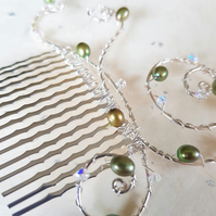 Silver-plated hair comb with olive green freshwater pearl and Swarovski crystals