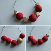 Handmade CHRISTMAS Red & Gold, Green Wood Wooden Bead Beaded Necklace