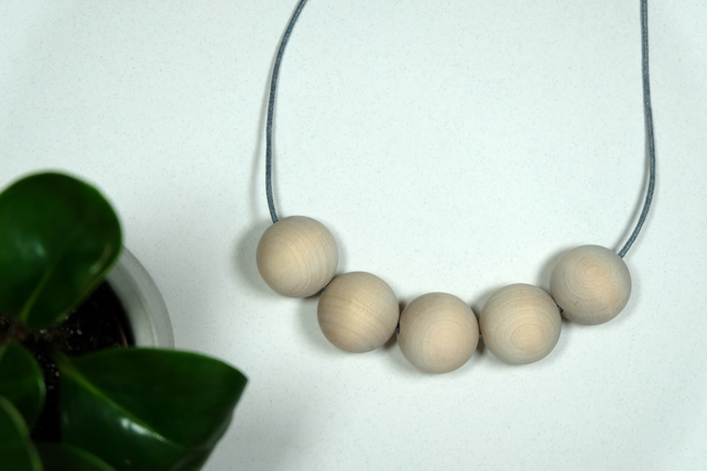 Handmade Natural Round Wood Wooden Bead Beaded Necklace - Minimalist Chunky