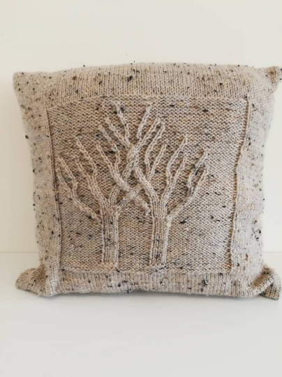 Tree knitted cushion cover